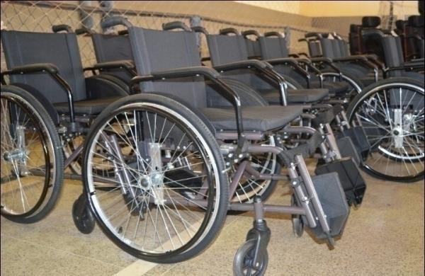 Pessoas com deficiência recebem equipamentos ortopédicos no Médio Parnaíba