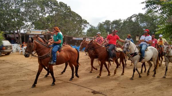 Cavalgada dos Amigos do Povoado Jacaré de Hugo Napoleão foi um sucesso