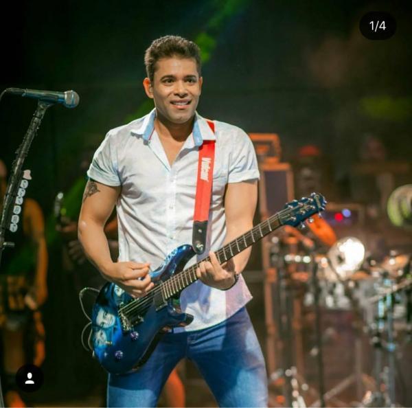 Show da banda chicabana em Agricolândia disponível para download