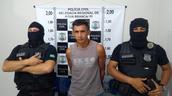 Policia Civil de Água Branca cumpre mandado de prisão por porte ilegal de arma em São Pedro