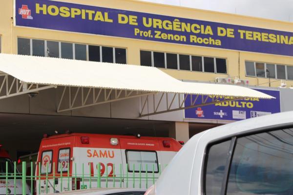 Dois morrem em acidente com ambulância, carro e caminhão em Monsenhor Gil