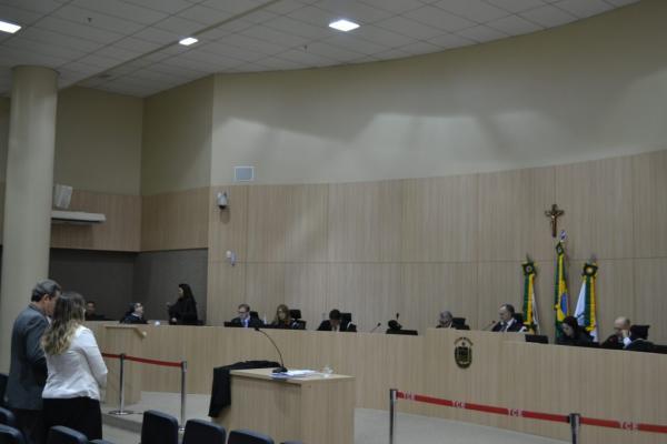 TCE-PI aponta acúmulo de cargos na Agespisa e multa presidente da empresa