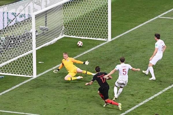 Croácia vence Inglaterra de virada e disputará final com a França