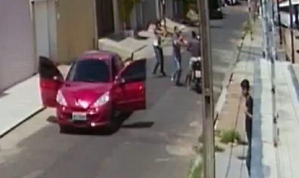 Policiais da Depre prendem irmãos após presenciarem assalto no Saci