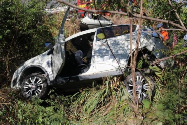 Grave acidente deixa adolescente presa às ferragens na BR-316 entre Demerval Lobão a Teresina