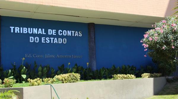TCE bloqueia contas bancárias de prefeituras e câmaras municipais