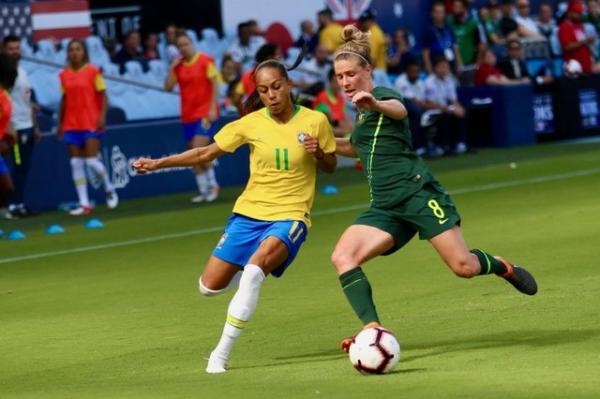 Atacante piauiense Adriana é convocada para amistosos da Seleção