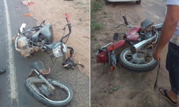Homem tem fratura exposta em acidente com motos em Água Branca