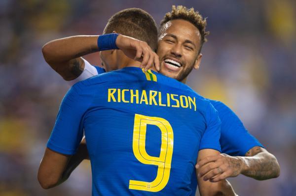 Seleção Brasileira vence El Salvador de goleada por 5 a 0