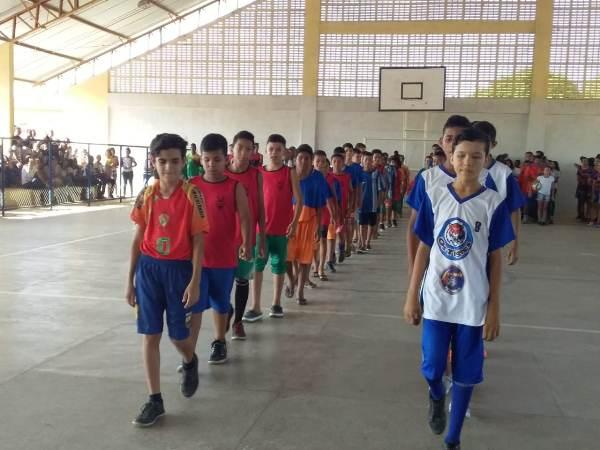 Em Agricolândia aconteceu a abertura do II torneio intercolegial