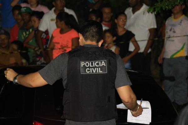 Mulher fere marido com gargalo de cerveja em Valença do Piauí