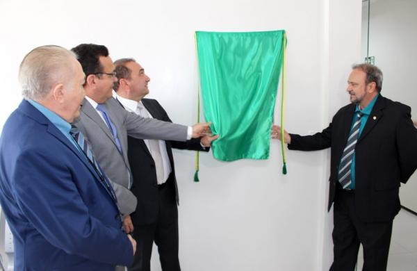 Presidente do TJ-PI  inaugurou o novo fórum em Elesbão Veloso