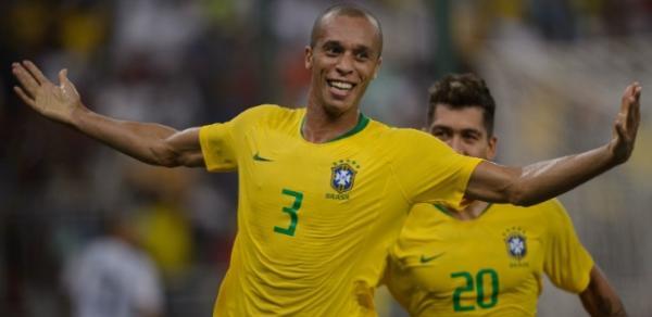 Brasil vence Superclássico contra Argentina com gol de Miranda nos acréscimos