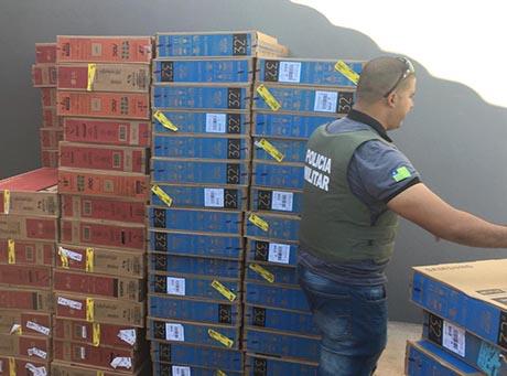 Polícia prende um e recupera 127 televisões roubadas das Casas Bahia de Teresina