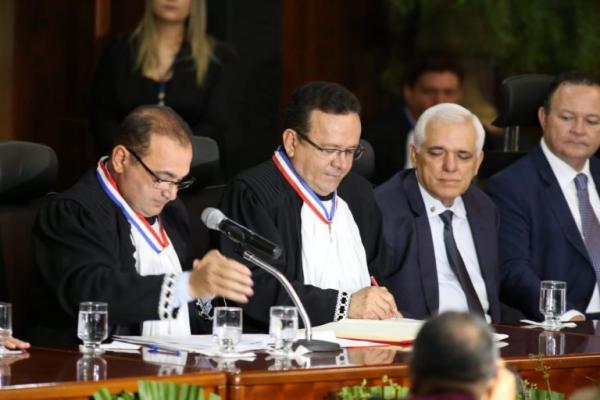 Desembargador Sebastião Ribeiro Martins toma posse como novo presidente do TJ-PI
