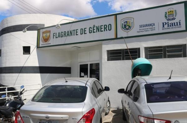 EM TERESINA: Empresário arrasta ex-sogra por cerca de 30 metros e tenta atropelá-la, diz polícia