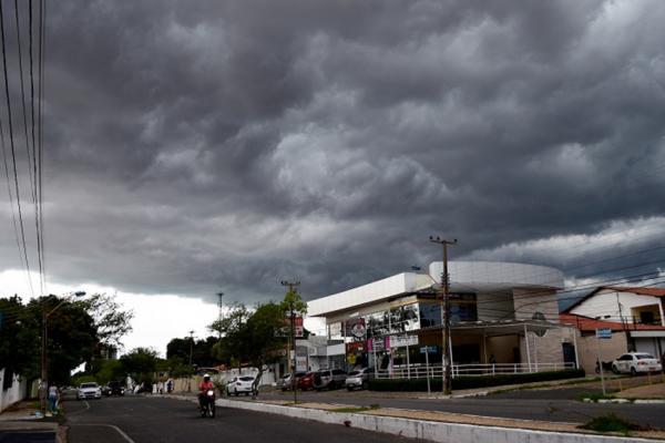 Norte do Piauí entra em aviso de temporal nesta quarta-feira (13)