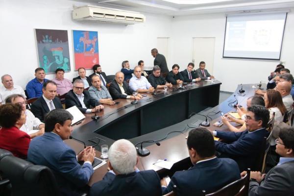 Governo confirma extinção de 19 órgãos e 2.300 cargos com reforma