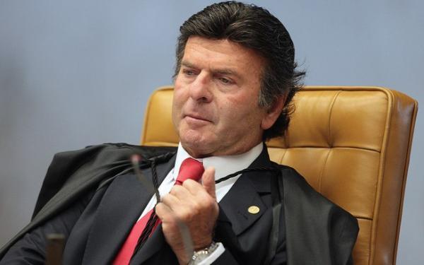 O ministro Fux suspende ação em que Bolsonaro é acusado de incitar estupro