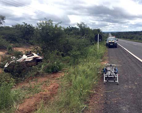 Colisão entre carro da Prefeitura de Jacobina e picape deixa dois mortos