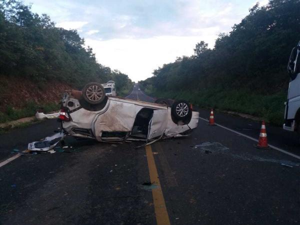 Uma pessoa morre e pelo menos três feridos em grave acidente na BR-343 próximo a Angical