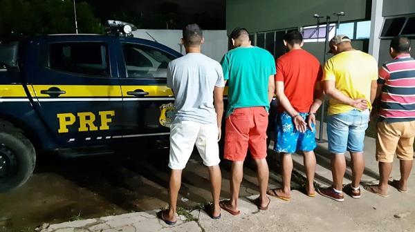 Quadrilha suspeita de assaltar bancos é presa na BR 343 em Piripiri
