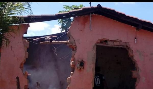 Polícia prende homem suspeito de incendiar casa de vizinho em São Gonçalo do Piauí