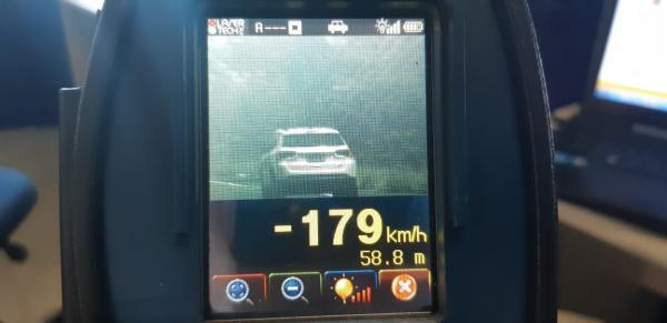 PRF flagra veículos a 179 KM/H na BR 343
