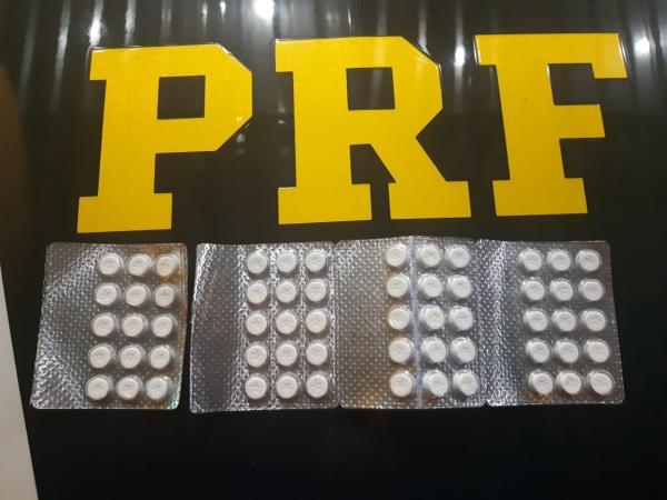 Ao ser flagrado, traficante tenta esconder drogas nas partes íntimas