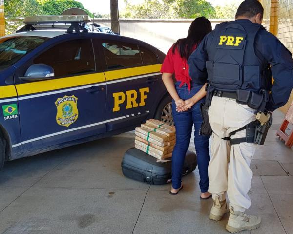 PRF-PI apreende adolescente com 25 kg de maconha em Floriano