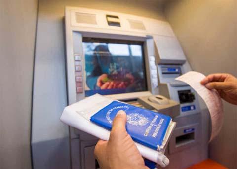 Governo estuda liberar dinheiro de contas ativas do FGTS para aquecer economia