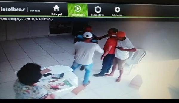 Empresário Água-branquense tem arma apontada para cabeça por bandidos durante um assalto
