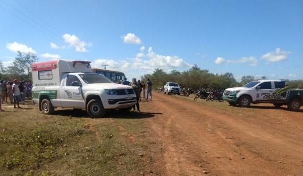 Adolescente colide motocicleta com ônibus escolar e morre em Sigefredo Pacheco