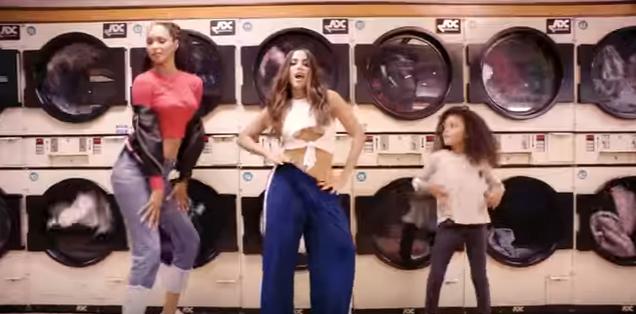 """Anitta lança clipe """"Paradinha"""" com participação de Lais Ribeiro no YouTuber"""