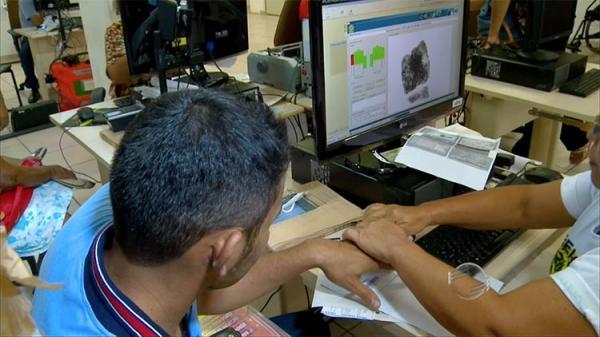 Eleitores de 40 cidades têm menos de 30 dias para fazer recadastramento biométrico