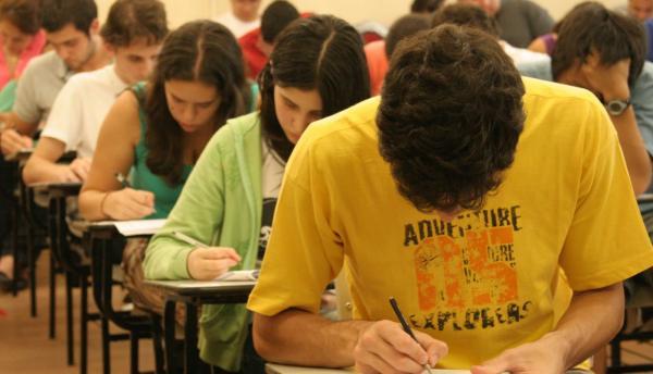 Universidade Aberta do Piauí lança vestibular com 3 mil vagas