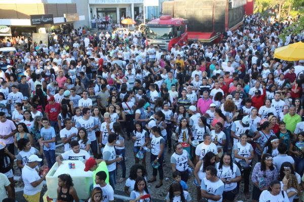 Milhares de fiéis participam da 16ª Marcha para Jesus em Teresina