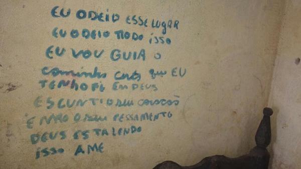 Adolescente desaparece e deixa mensagens na parede do quarto em Amarante