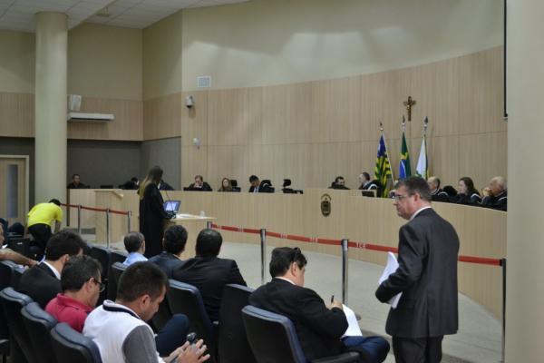 TCE-PI aprova bloqueio de contas e de precatórios atingindo 22 municípios do Piauí