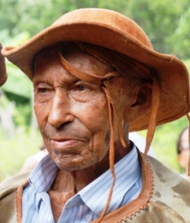 O Vaqueiro Mais Velho do Brasil, Sr. Epifânio, de São Pedro do PI, está em estado grave e a família pede ajuda