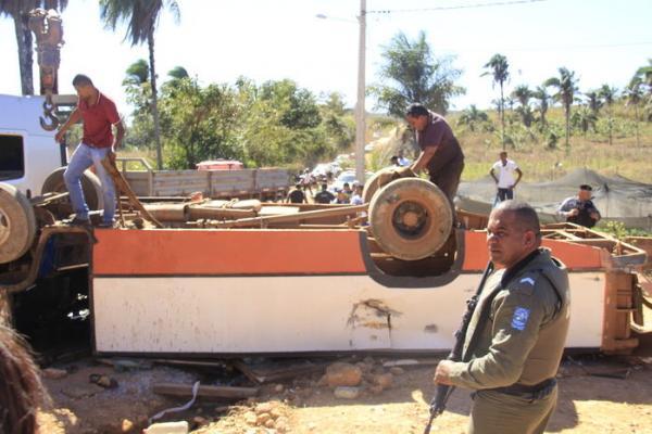 Acidente com ônibus em ladeira deixa 15 feridos em Uruçuí