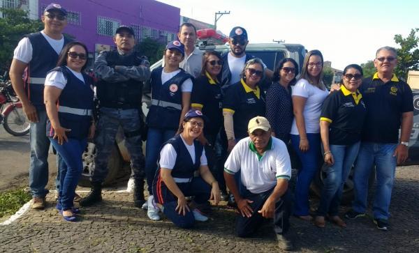 Blitz educativa inicia trabalhos de prevenção no Carnaval fora de época em Regeneração