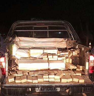 PRF apreende 254 kg de maconha na cidade de Cristalândia