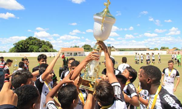 Ceará vence 3ª Copa Nordeste Água Branca de Futebol