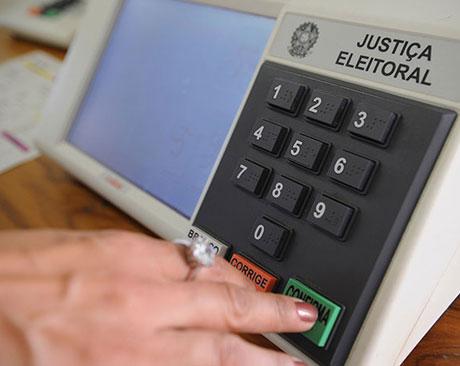 Distritão e distrital misto: saiba como o voto poderá mudar no país