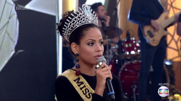 Monalysa Ancântara fala de racismo virtual no programa da Fátima Bernardes