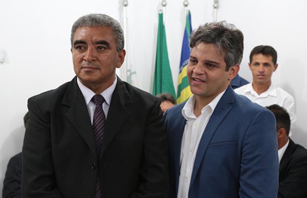Novo prefeito de Miguel Leão foi empossado nesta segunda (21)