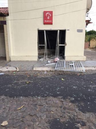 Postos bancários são explodidos em duas cidades no Sul do Piauí