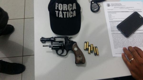 Após perseguição, Força Tática recupera arma jogada por Suspeitos em Água Branca