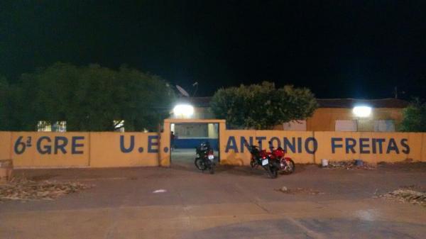 Bandidos armados rende vigia e rouba Escola Antonio Freitas em Hugo Napoleão